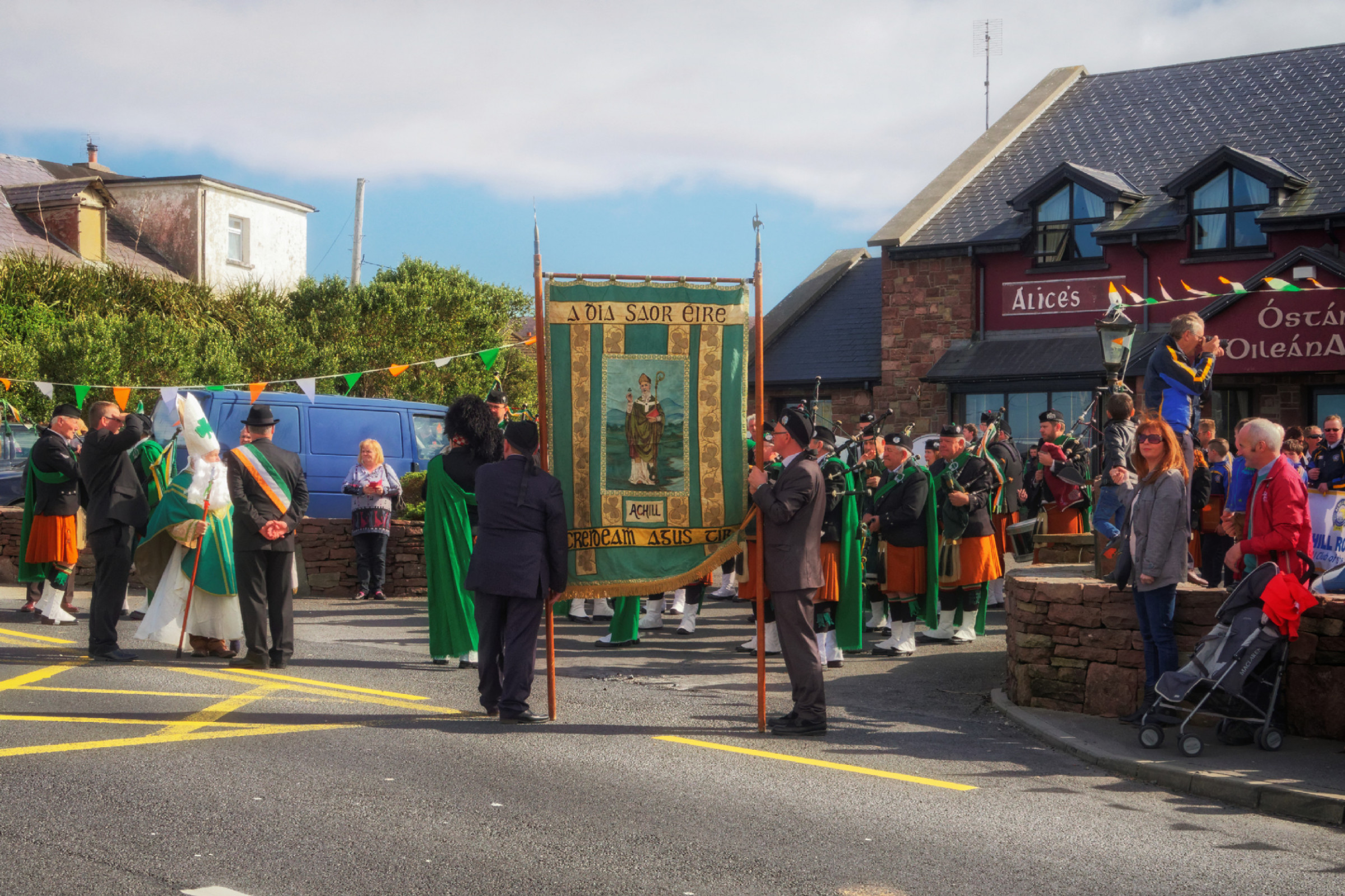 20160320125140-ie-achill-sound_parade-_DxO_13in_DxO96