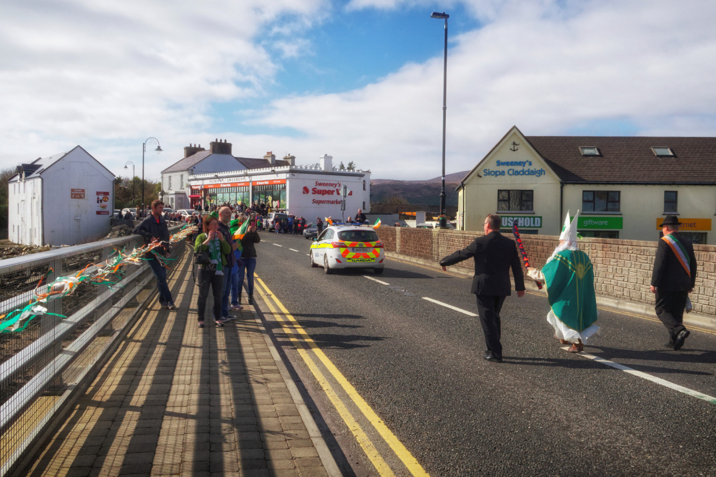 20160320125916-ie-achill-sound_parade-_DxO_13in_DxO96