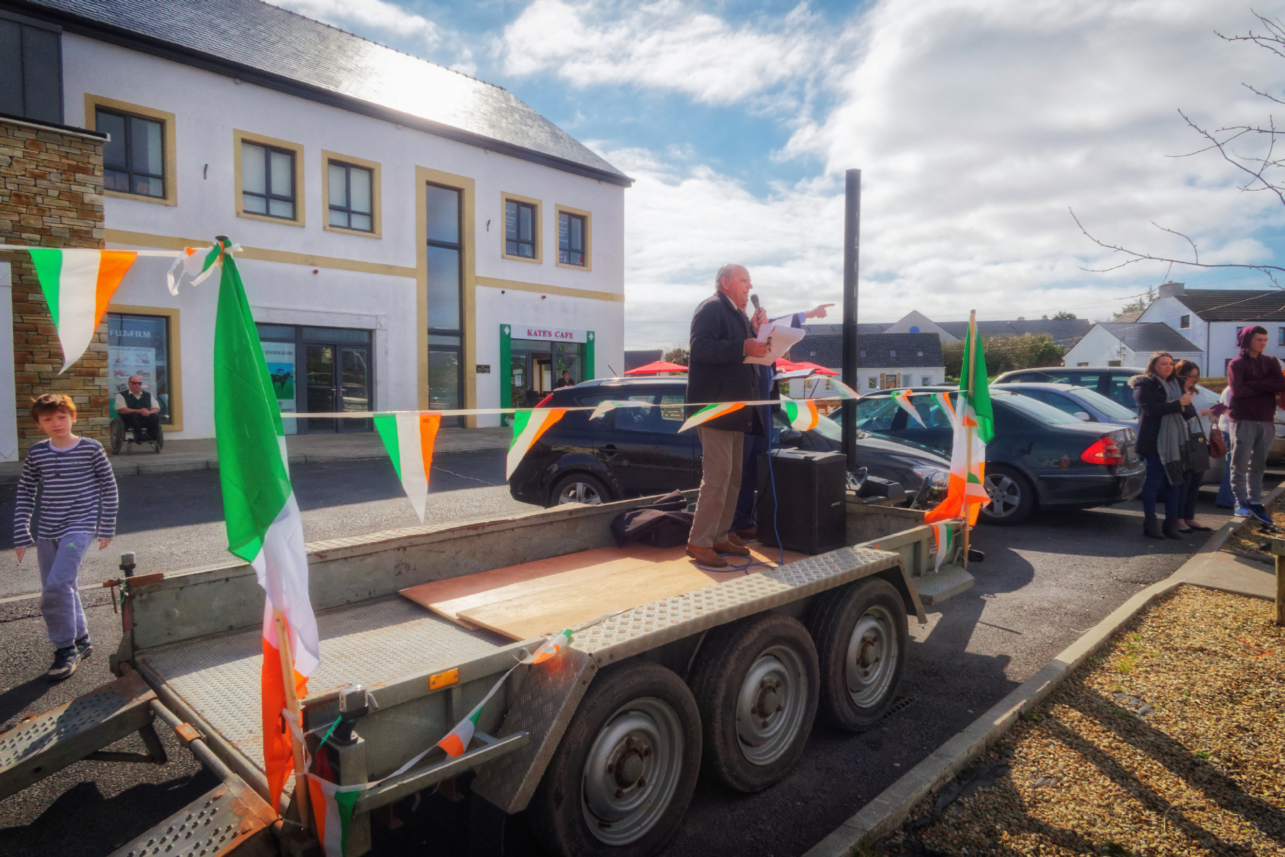20160320130703-ie-achill-sound_parade-_DxO_13in_DxO96