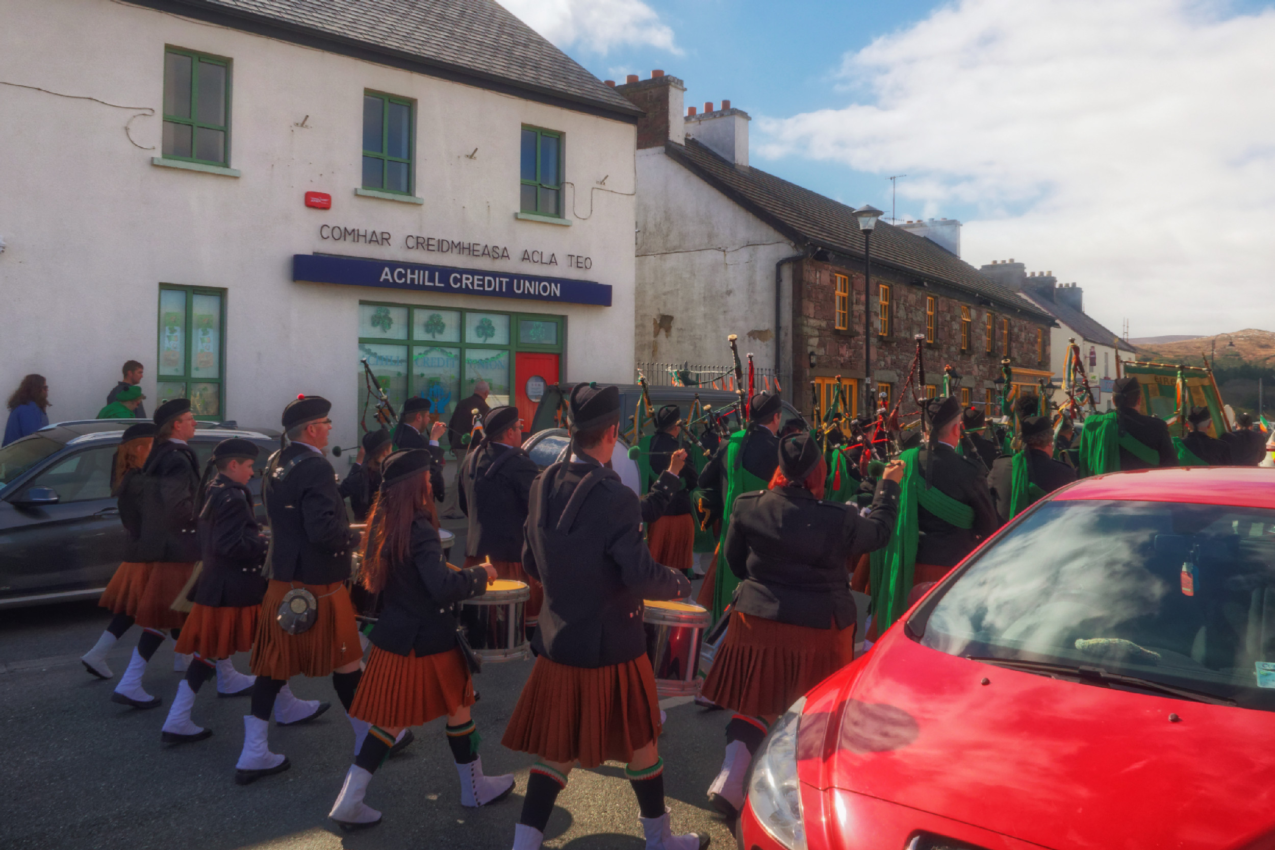 20160320131210-ie-achill-sound_parade-_DxO_13in_DxO96