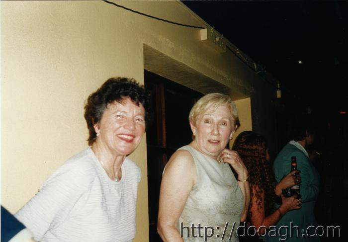 20000318-027-ie-achill-band_dance-ladies_of_the_dance-w