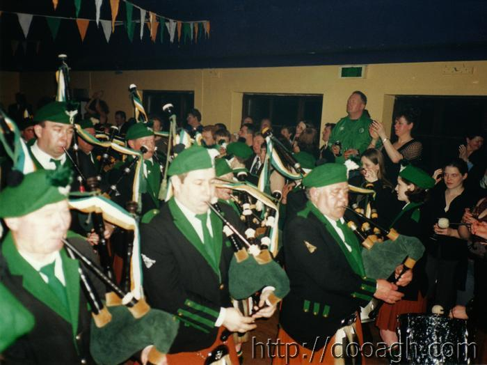 20000318-052-ie-achill-band_dance-front_entry-w