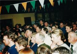 20000318-016-ie-achill-band_dance-crowd-w