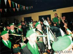 20000318-018-ie-achill-band_dance-big_drum-w