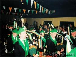 20000318-021-ie-achill-band_dance-pipers_coming_in-w
