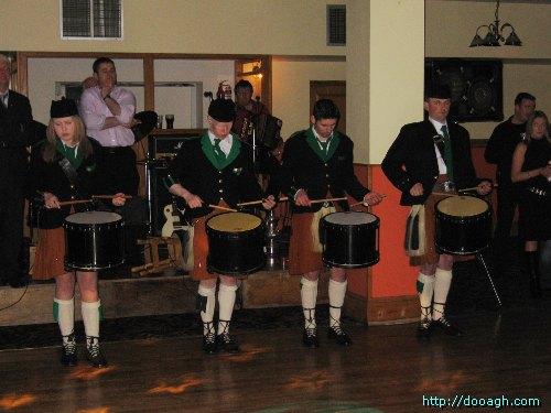 20050319-042-ie-achill-dooaghdance-drumon-w