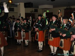 20050319-035-ie-achill-dooaghdance-girlpipers-w