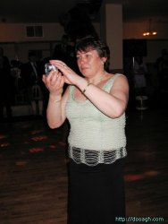 20050319-047-ie-achill-dooaghdance-maryphotographing-w