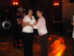 20070319-020-ie-achill-dooaghdance-lean_on_me-w