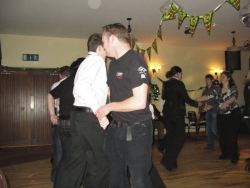 20080319013350-ie-achill-band_dance-twisting_to_siege_of_venice-w