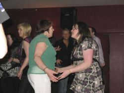 20080319035058-ie-achill-band_dance-feel_it-w