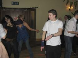 20080319035129-ie-achill-band_dance-down-w