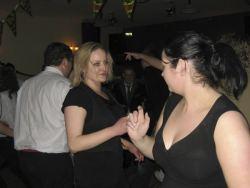 20080319035145-ie-achill-band_dance-girls_in_black-w