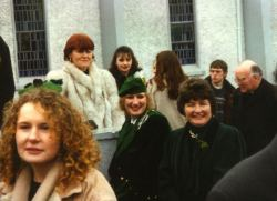 19960317-006-ie-achill-stpatsday-ladies_corner-w