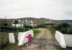 20000317-004-ie-achill-st_pats-starting_at_moillys-w