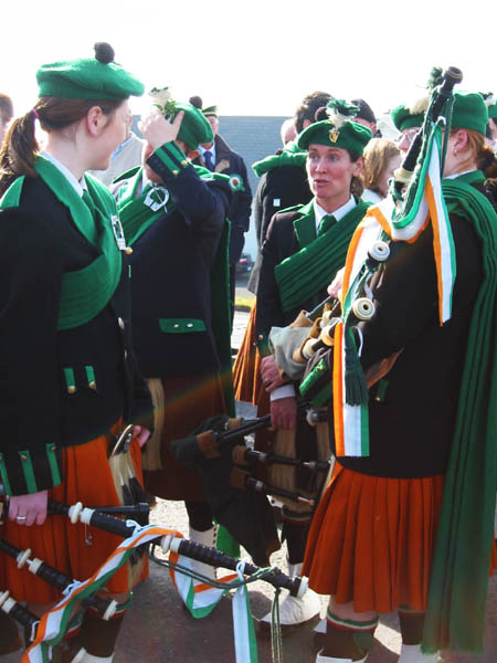 ie20030317-achill-stpats-19-ladypipers-w