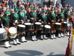 ie20030317-achill-stpats-37-lineofdrumming-w