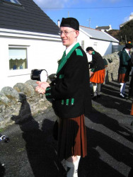 20040317-035-ie-achill-stpatricksday-declanisready-w