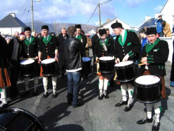 20040317-092-ie-achill-stpatricksday-drumsection-w