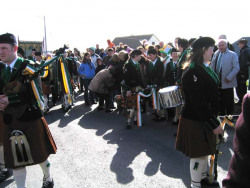 20040317-095-ie-achill-stpatricksday-reviewperformance-w