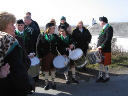 20040317-096-ie-achill-stpatricksday-silentdrums-w