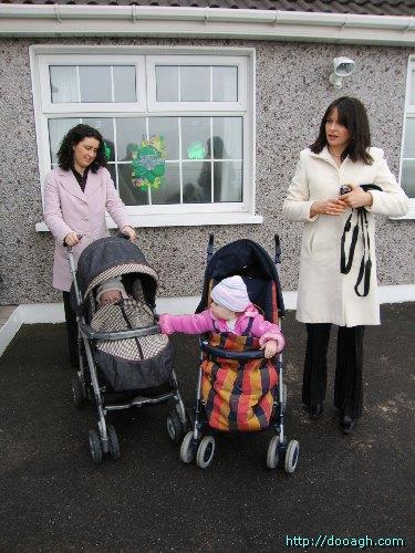 20050317-007-ie-achill-family-buggylineup-w