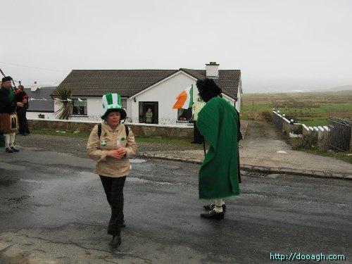 20050317-101-ie-achill-stpatricksday-takethemoney-w
