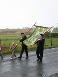 20050317-011-ie-achill-stpatricksday-carrytheflag-w