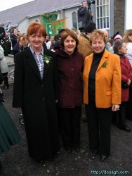 20050317-057-ie-achill-stpatricksday-fashionistas-w