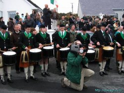 20050317-070-ie-achill-stpatricksday-drumon-w