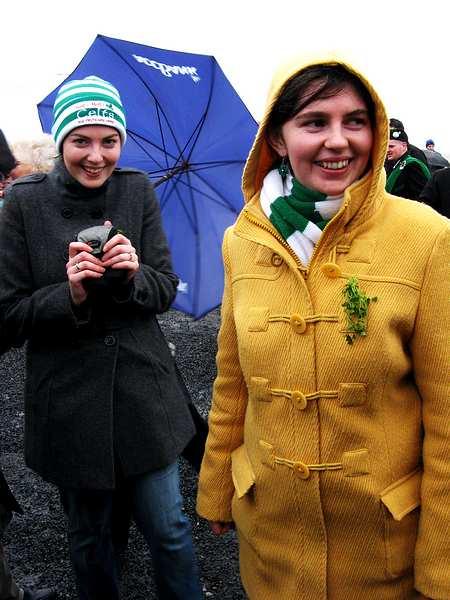 20070317-019-ie-achill-stpatsdayparade-aoife_eimear-w