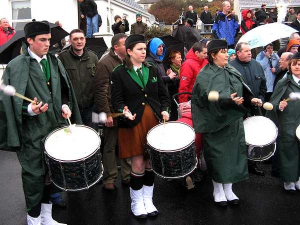 20070317-062-ie-achill-stpatsdayparade-right_twirl-w