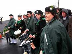 20070317-059-ie-achill-stpatsdayparade-tom_tom_corner-w
