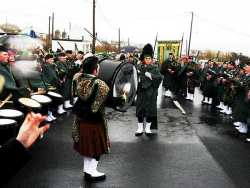 20070317-060-ie-achill-stpatsdayparade-play_on-w