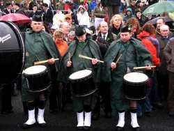 20070317-064-ie-achill-stpatsdayparade-rattle-w