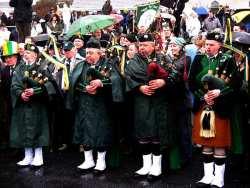 20070317-066-ie-achill-stpatsdayparade-tall_hat-w