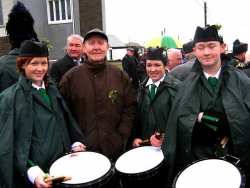 20070317-078-ie-achill-stpatsdayparade-john_with_the_drummers-w