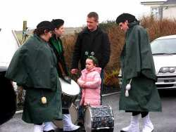 20070317-080-ie-achill-stpatsdayparade-drums_at_rest-w