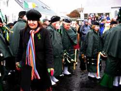 20070317-085-ie-achill-stpatsdayparade-ann_walking-w