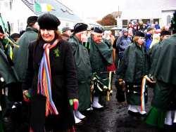 20070317-085-ie-achill-stpatsdayparade-ann_walking-w
