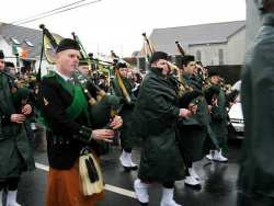 20070317-100-ie-achill-stpatsdayparade-piping_rain-w