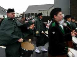 20070317-104-ie-achill-stpatsdayparade-tomming_off-w
