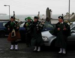 20070317-119-ie-achill-stpatsdayparade-behind_the_sea-w