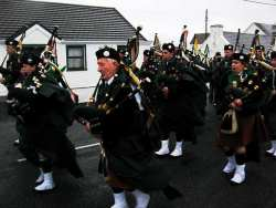 20070317-147-ie-achill-stpatsdayparade-leaning_against_the_wind-w