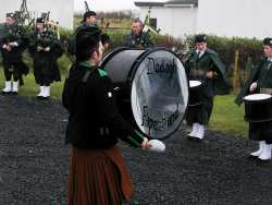 20070317-163-ie-achill-stpatsdayparade-banging_on-w