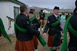 20100317172537-ie-achill-st_patricks_day-shaking-w