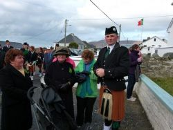 20110317102125-ie-achill-mary-owen_waiting-w