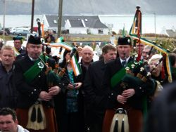 20110317103346-ie-achill-carolann-blowing-w