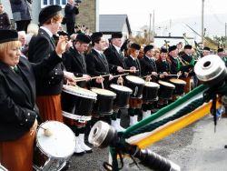 20110317103601-ie-achill-carolann-drummers-w