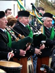 20110317103628-ie-achill-carolann-old_guard-w